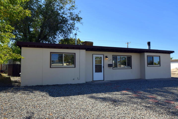 10708 NE Woodland Avenue, Albuquerque Northeast Heights in Bernalillo County, NM 87112 Home for Sale