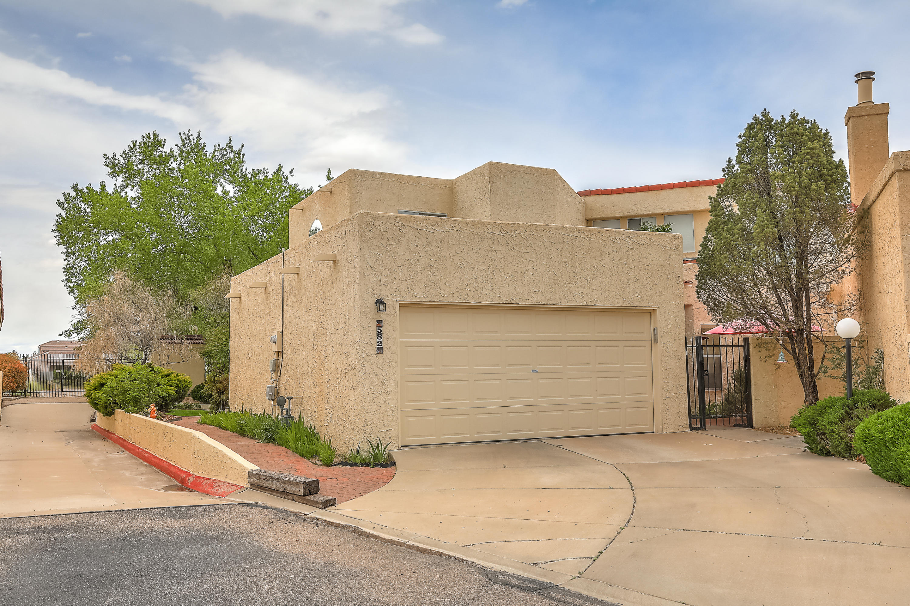 582 SE Eastlake Drive, Rio Rancho, New Mexico