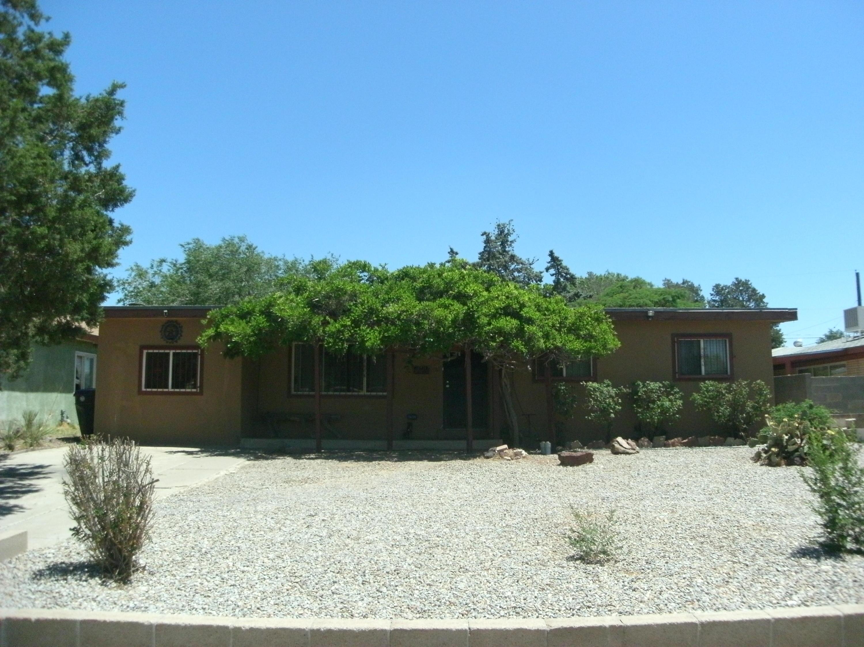 Photo of 1032 Florida Street SE, Albuquerque, NM 87108
