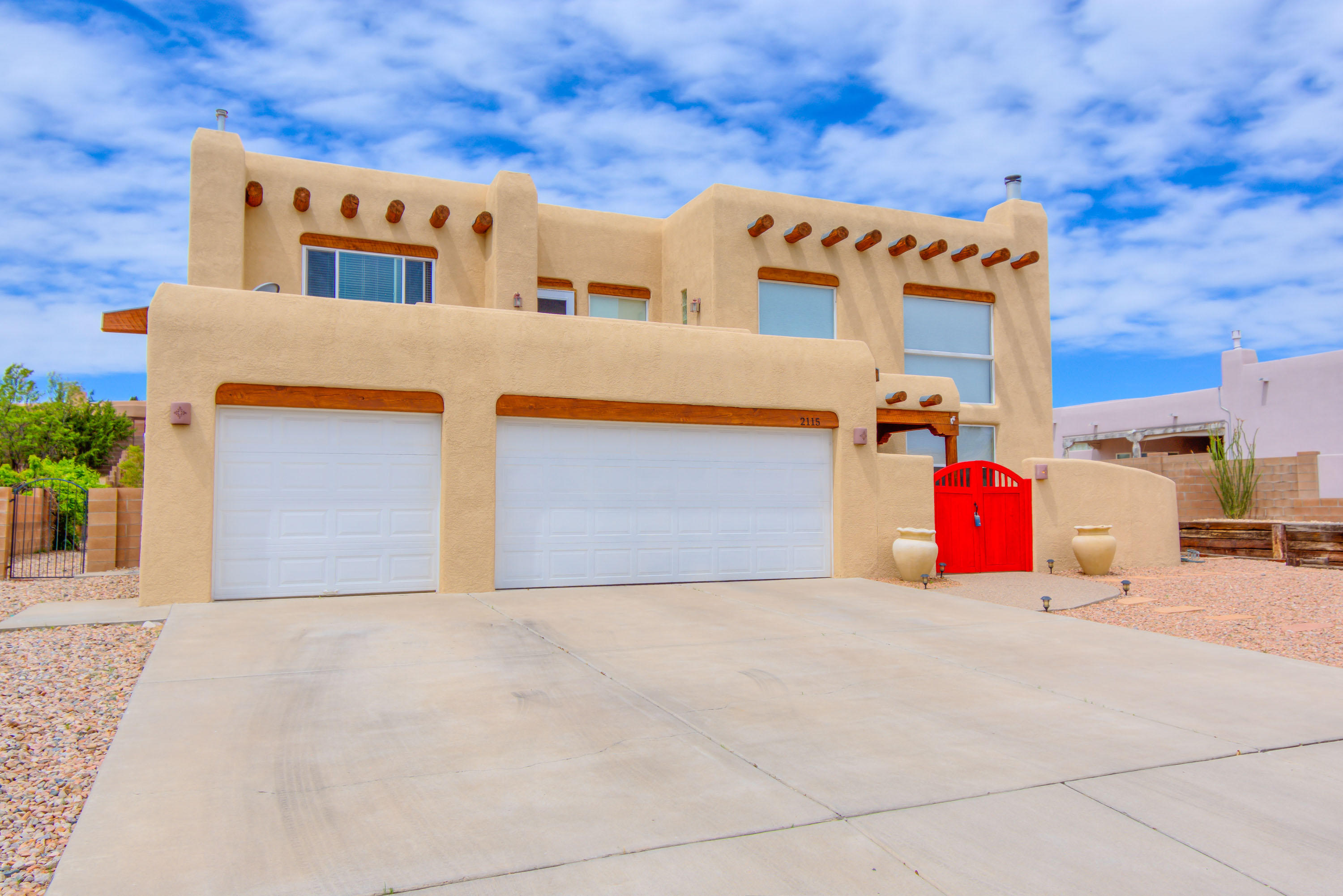 2115 NE Rivers Edge Drive, Rio Rancho, New Mexico