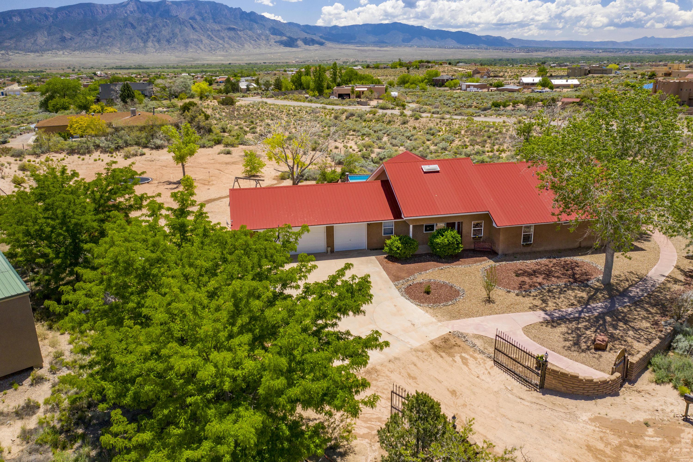 1811 NE Alif Road, Rio Rancho, New Mexico