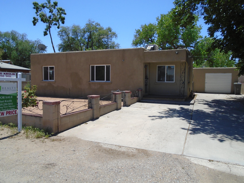 Photo of 1528 Larkin Lane, Albuquerque, NM 87105
