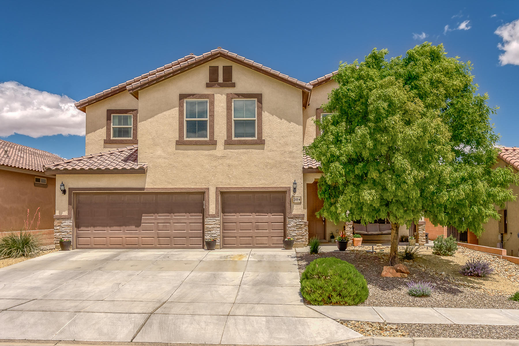 208 NE Valle Alto Drive, Rio Rancho, New Mexico
