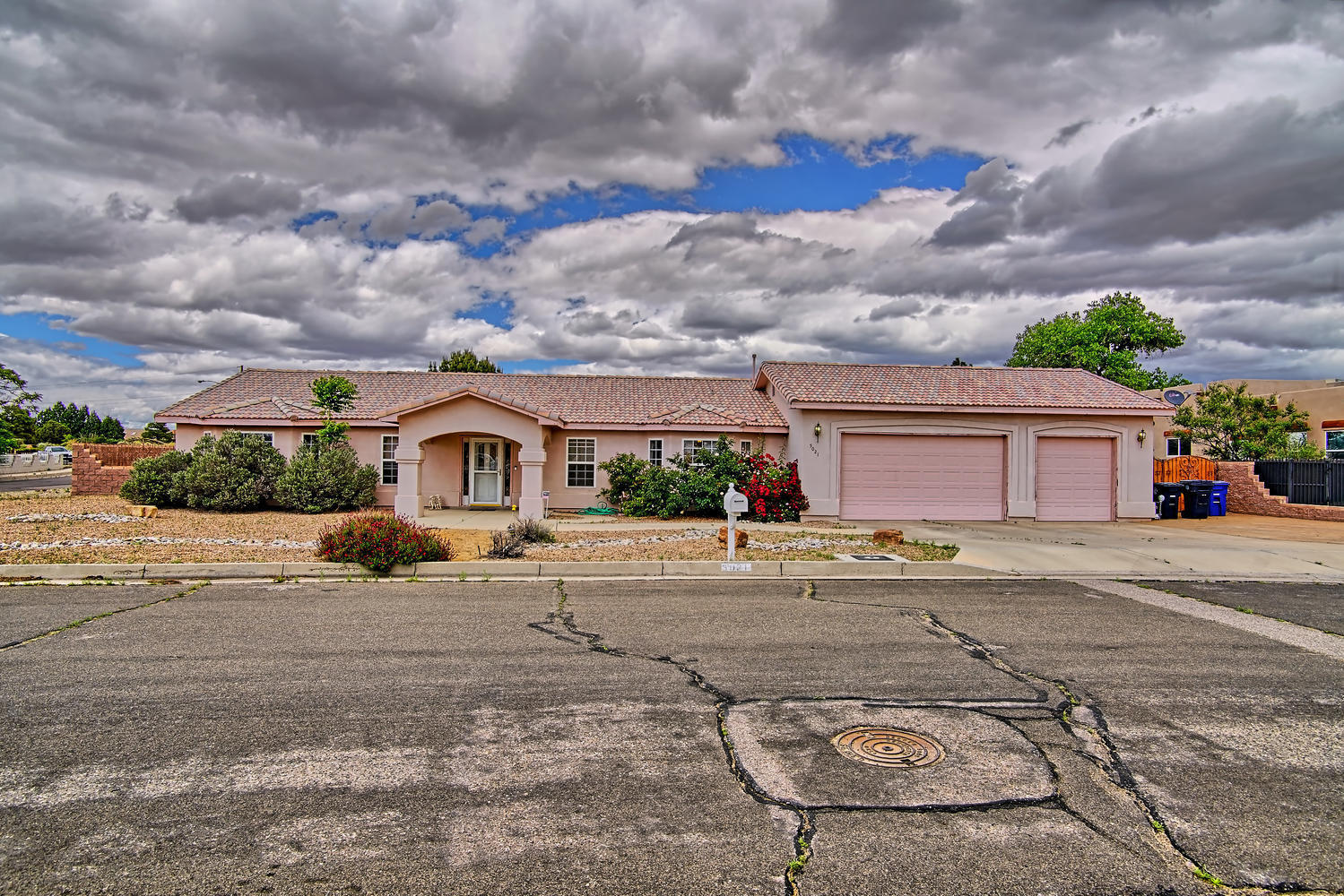 5021 NW Crownpoint Court, Northwest Albuquerque and Northwest Heights, New Mexico