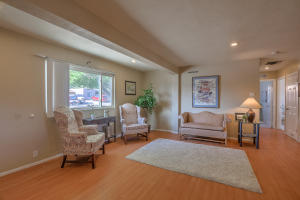 5712 EUCLID AVENUE NE, ALBUQUERQUE, NM 87110  Photo 2