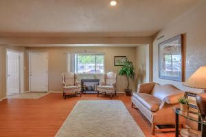 5712 EUCLID AVENUE NE, ALBUQUERQUE, NM 87110  Photo 6