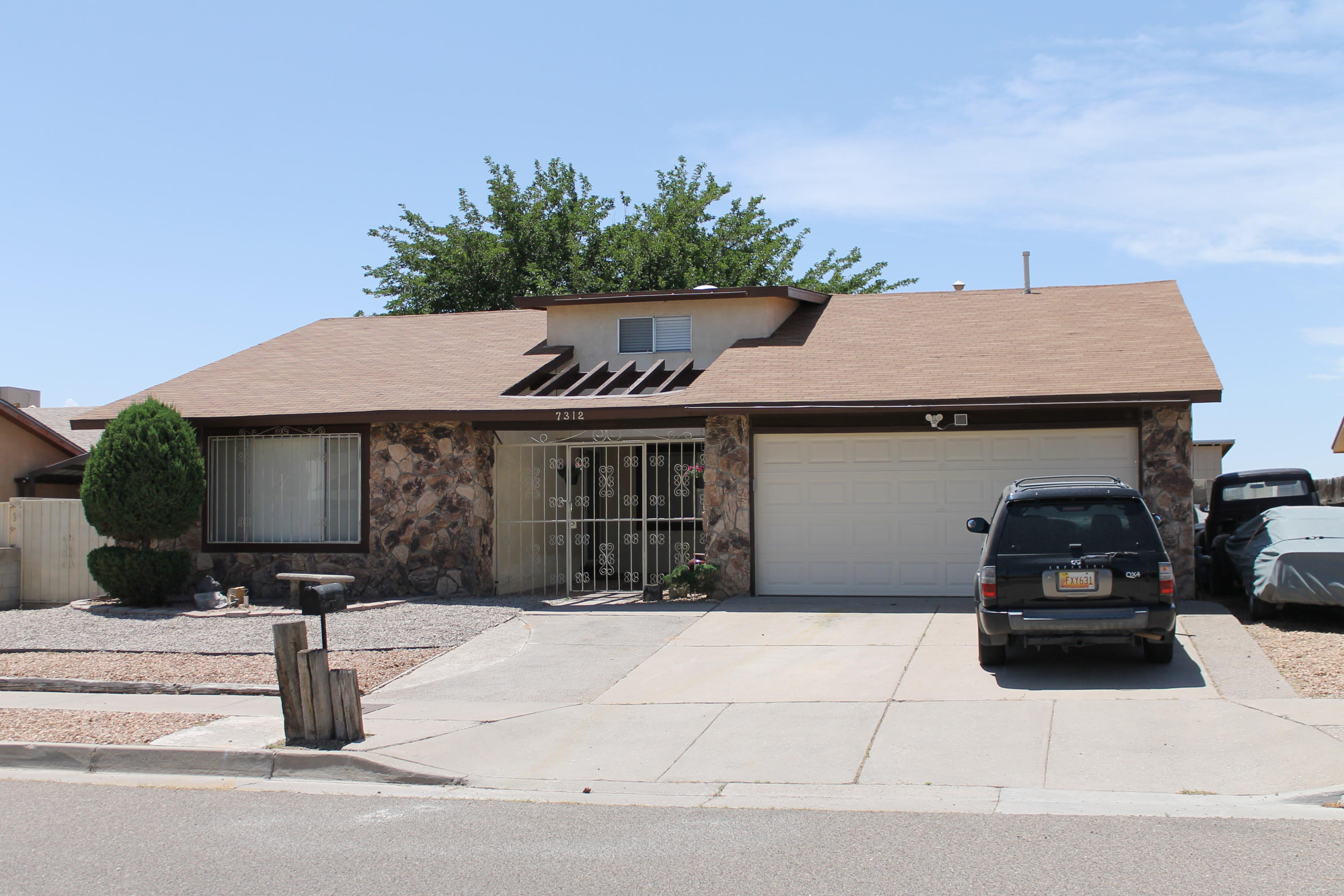 Photo of 7312 Mint Place NW, Albuquerque, NM 87121