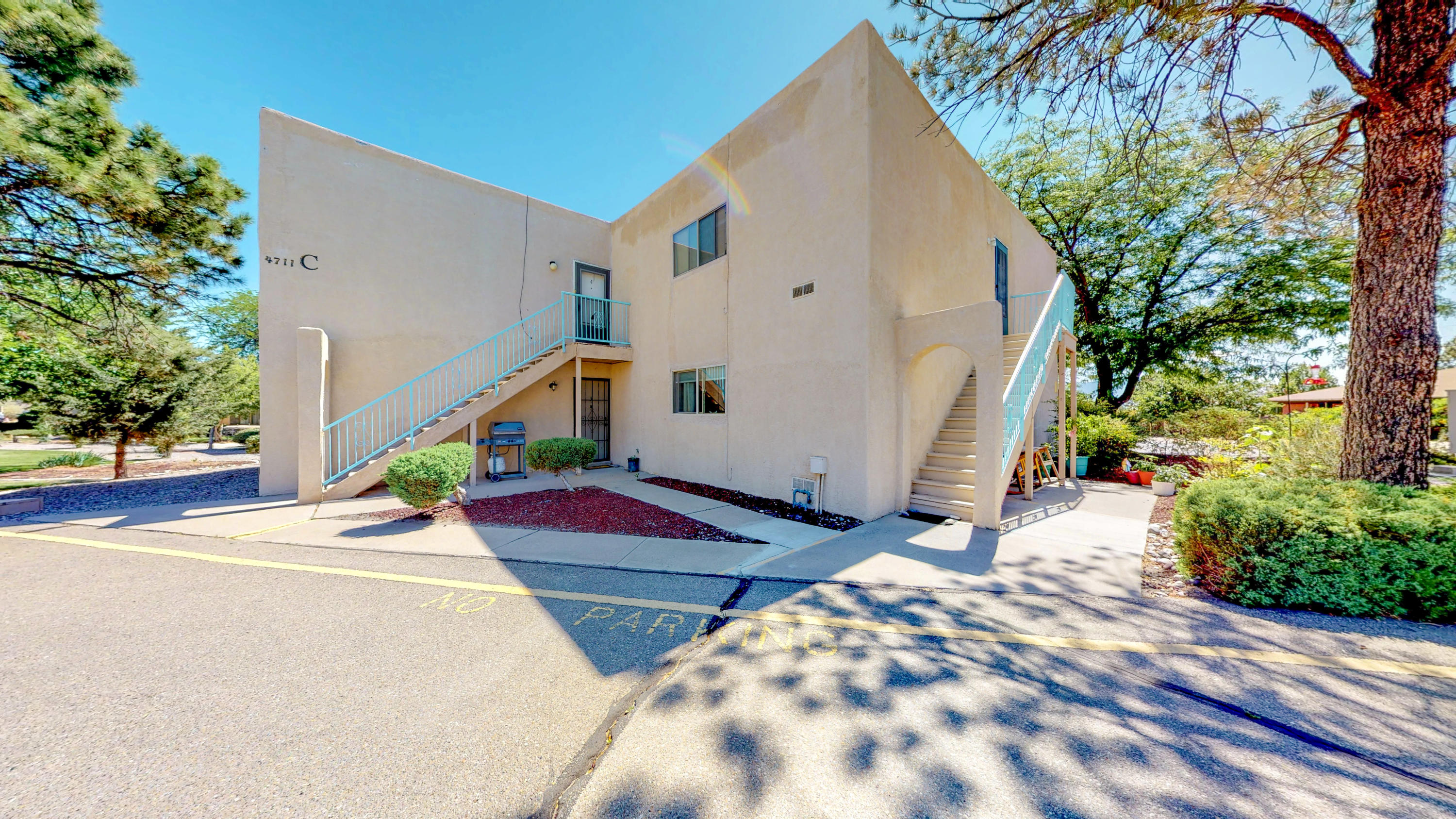 4711  Country Club Lane, Northwest Albuquerque and Northwest Heights, New Mexico