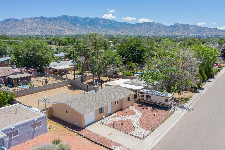 Photo of 10601 Walker Drive NE, Albuquerque, NM 87112