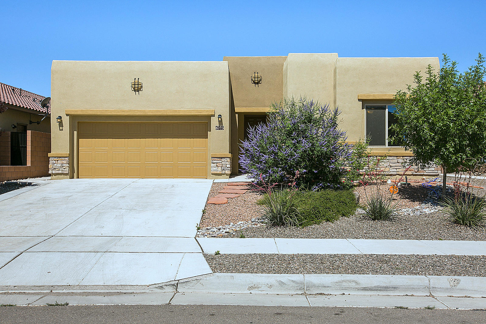 One of Northwest Albuquerque and Northwest Heights 4 Bedroom Homes for Sale at 6705 NW Borde Abierto Street