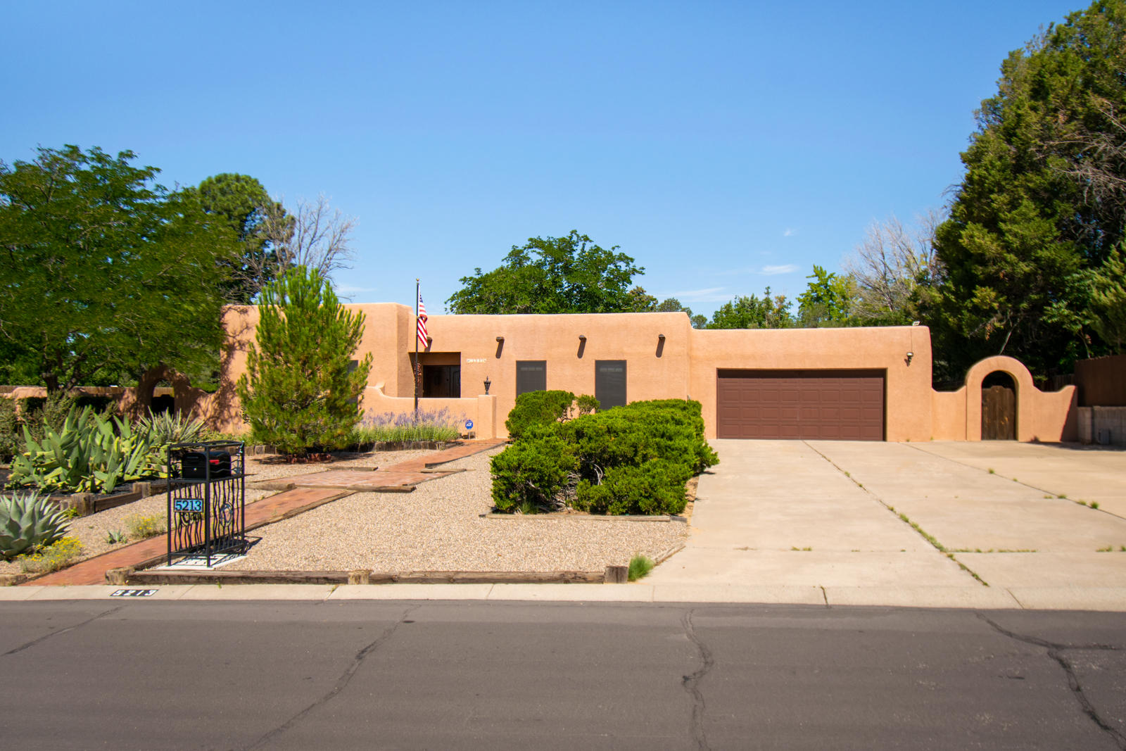 5213 NW Justin Drive, Northwest Albuquerque and Northwest Heights, New Mexico