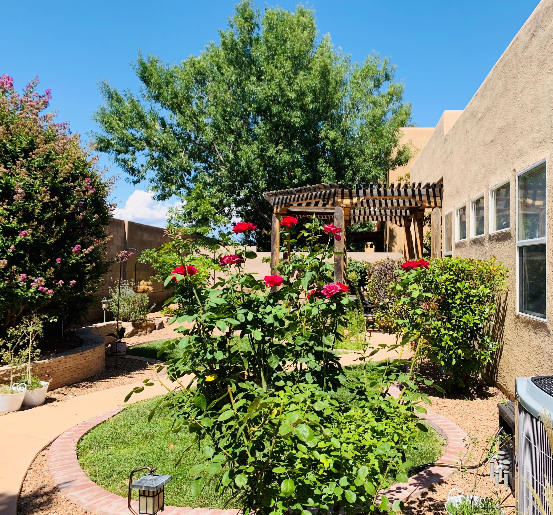 6635 NW Salt Cedar Trail, Northwest Albuquerque and Northwest Heights, New Mexico