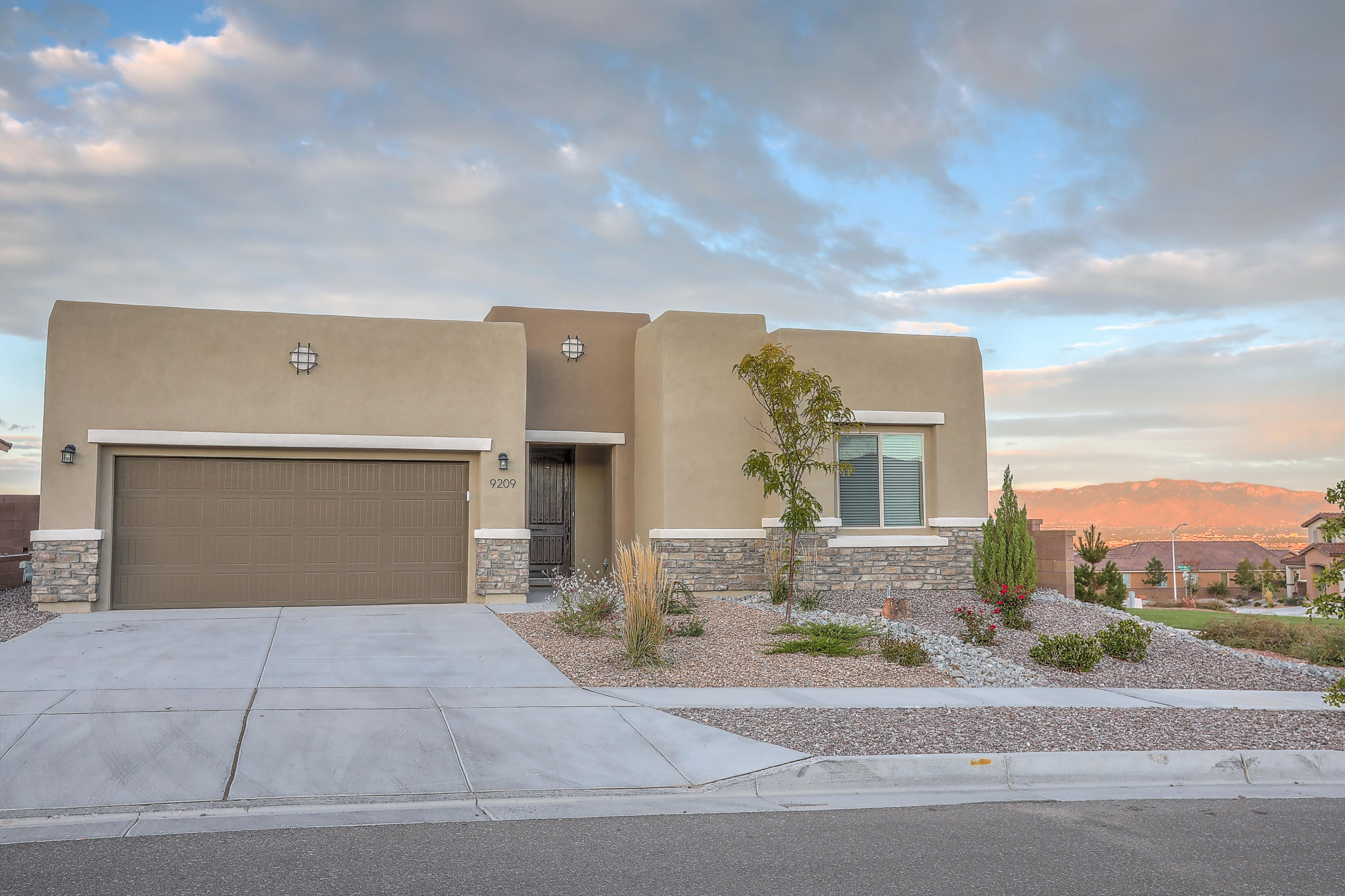 9209  Mills Canyon Road, Northwest Albuquerque and Northwest Heights, New Mexico