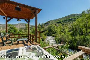 Hot tub overlooking Snowmass Creek
