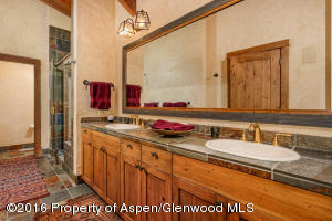 5971 Lake Wildcat Guesthouse: Masterbath
