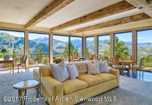 Family Room with outstanding vistas