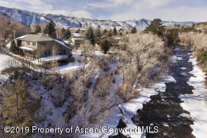 400meadowln aerial with river