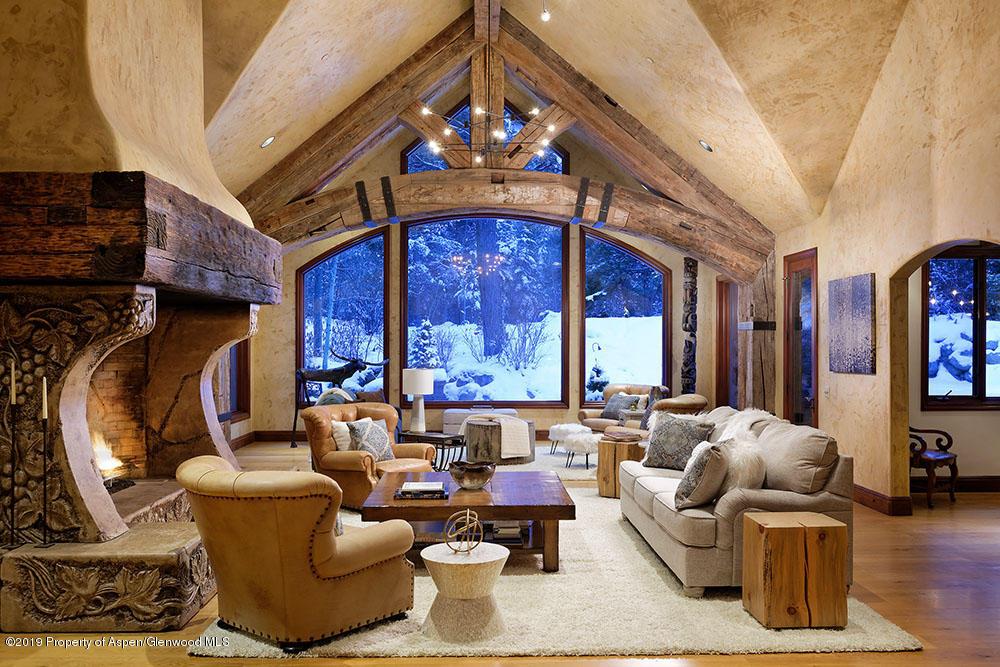 Estates Aspen Featured property
