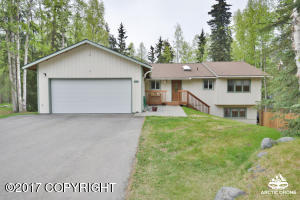 Property for sale at 9502 Puffin Circle, Eagle River,  AK 99577