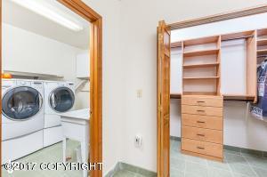 Lrg Laundry & Lrg closet