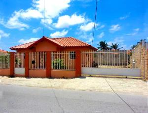Residential-Casa En Venta En Tanki Leendert, Tanki Leendert, Aruba, AW RAH: 16-18