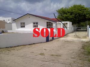 Residential-Casa En Ventaen Oranjestad, Oranjestad, Aruba, AW RAH: 17-30
