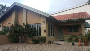 Residential-Casa En Ventaen Oranjestad, Oranjestad, Aruba, AW RAH: 17-64