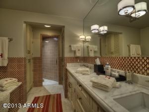 041_Guest Bath 2