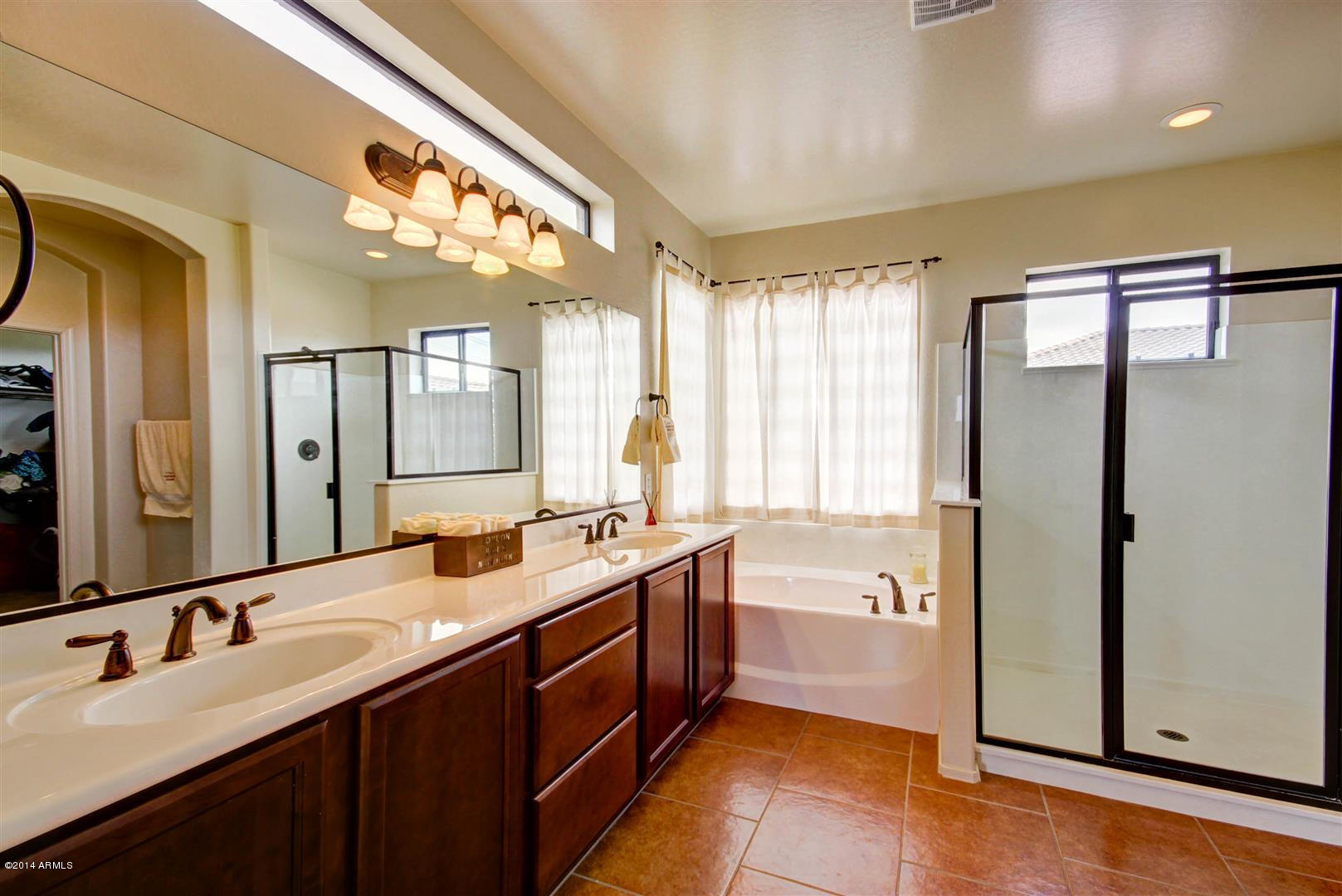 to handle shower walls and tiles and sop water from shower curtains