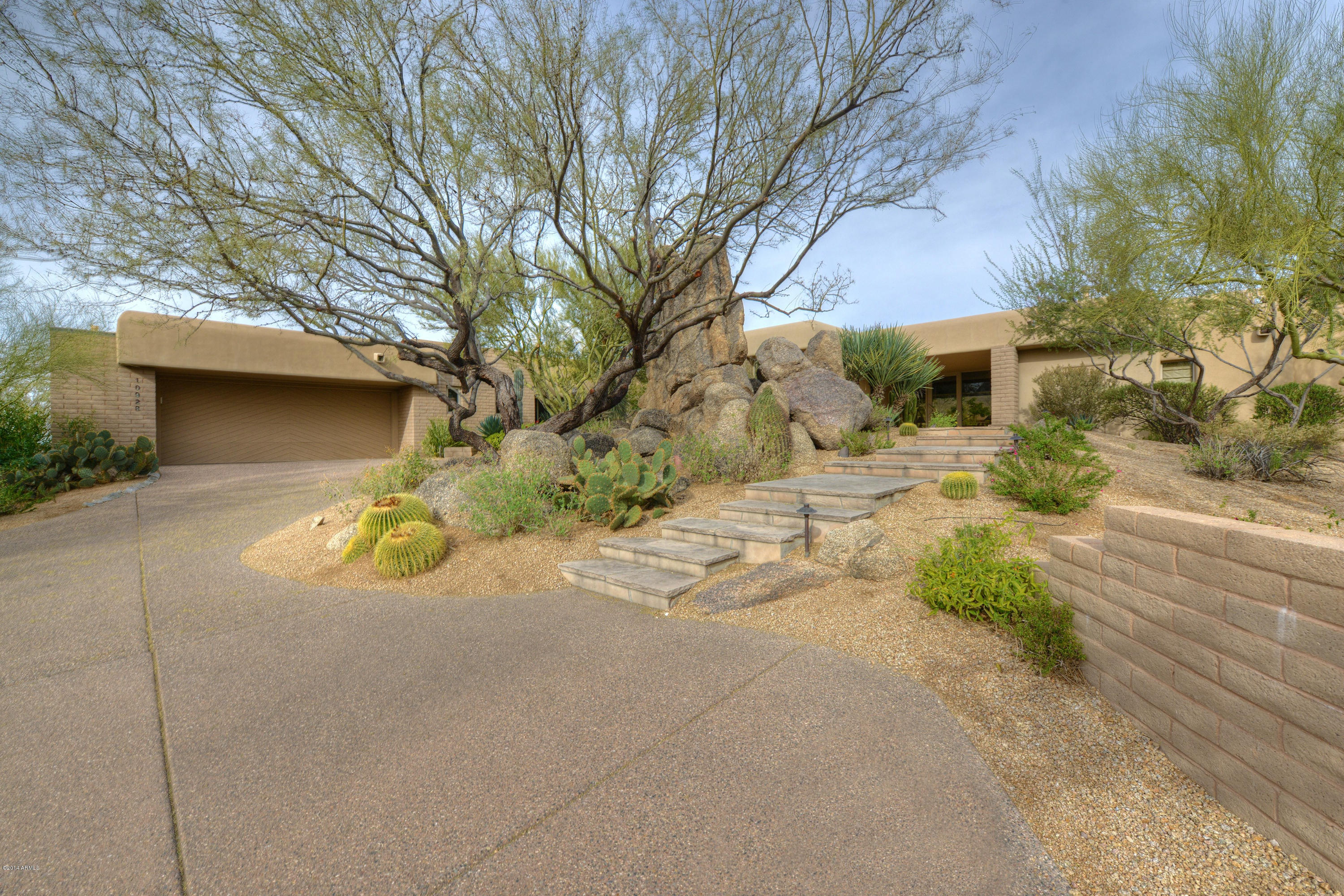 Photo of 10928 E Graythorn Drive, Scottsdale, AZ 85262