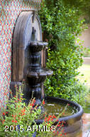 MRR_Guesthouse_1_Fountain_7986