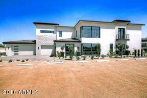Photo of 5673 E VILLAGE Drive, Paradise Valley, AZ 85253
