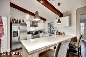 Property for sale at 1818 N Arrowhead Drive, Chandler,  AZ 85224