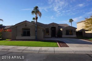 Property for sale at 715 W Citrus Way, Chandler,  AZ 85248