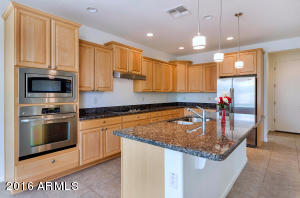 2133 N 164th Ave-large-009-9-Kitchen-150