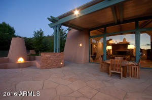 Outdoor Entertainment With Fireplaces
