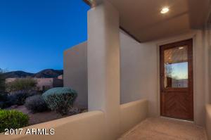 036_Guest Suite Patio Entry