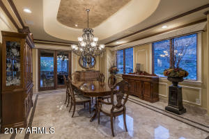 18 FORMAL DINING ROOM