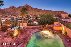 2122 E Kaler Drive Phoenix, AZ 85020
