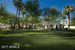 9 E Country Club Drive Phoenix, AZ 85014