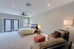345 W Cambridge Avenue Phoenix, AZ 85003