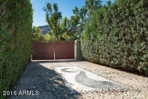 5665 E Mockingbird Lane Paradise Valley, AZ 85253