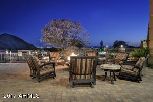 045_Patio Living - Firepit