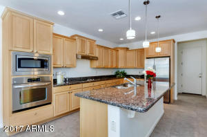 2133 N 164th Ave-large-010-44-Kitchen-15