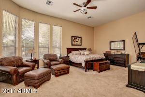 Master bedroom w/sitting area