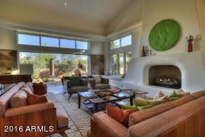 017_Living Room - Open Patio