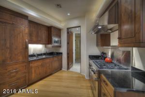 044_Guest House Kitchen