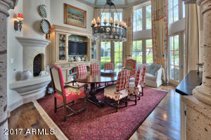 18 ft Breakfast Room With Fireplace