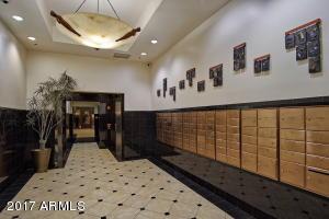 4-36-Lobby