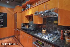 17-16-Kitchen